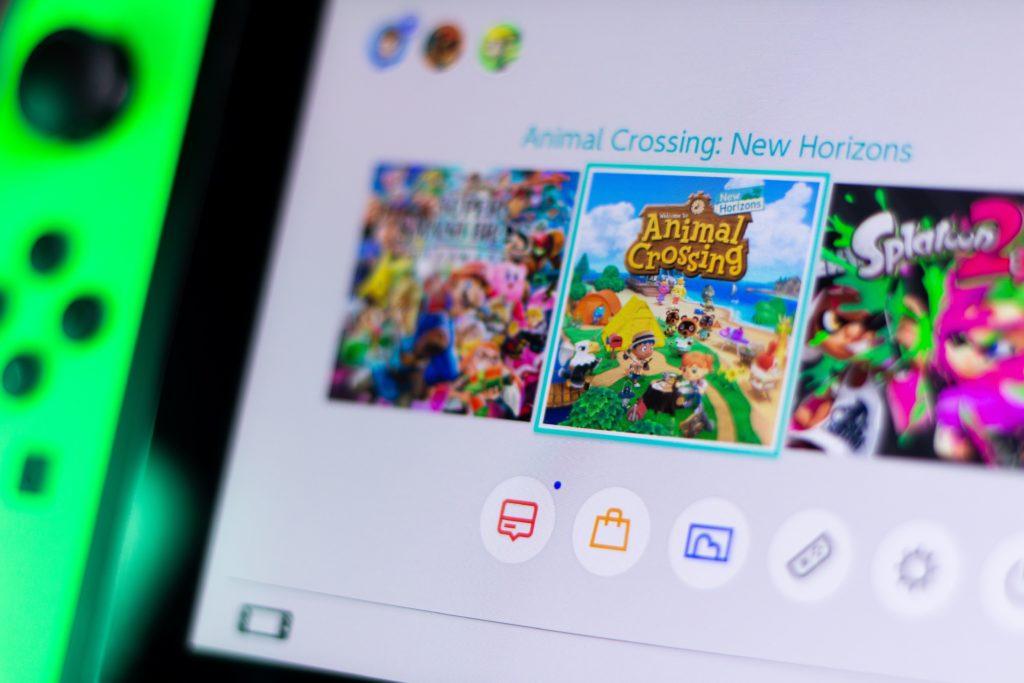 Le carton du confinement, Animal Crossing: New Horizons, termine l'année en position des titres les plus achetés en France.